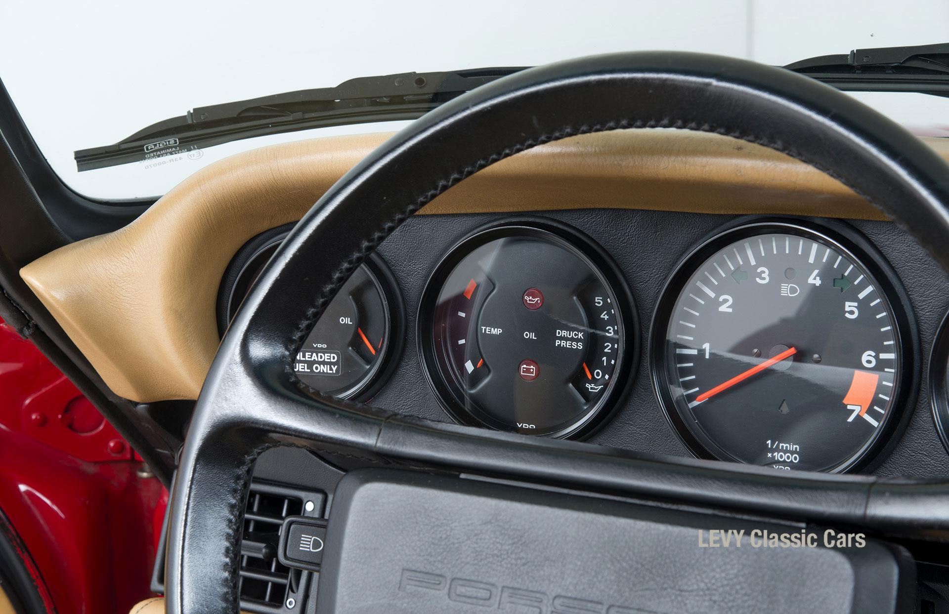 Porsche 911 Targa 61138_53