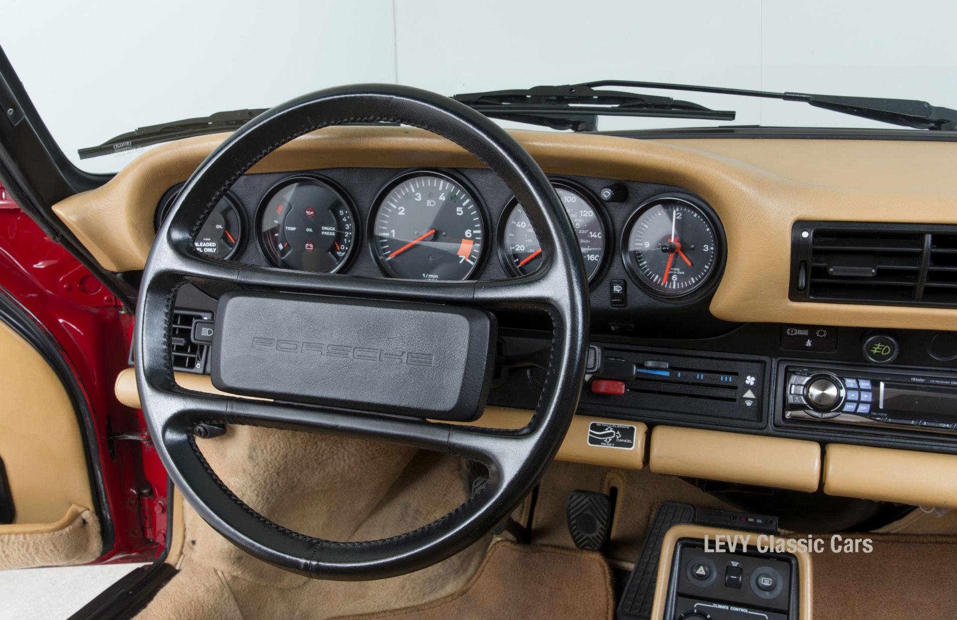 Porsche 911 Targa 61138_54
