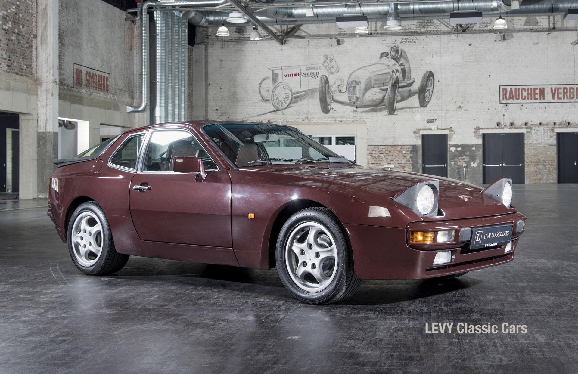 Porsche 944 400238 04