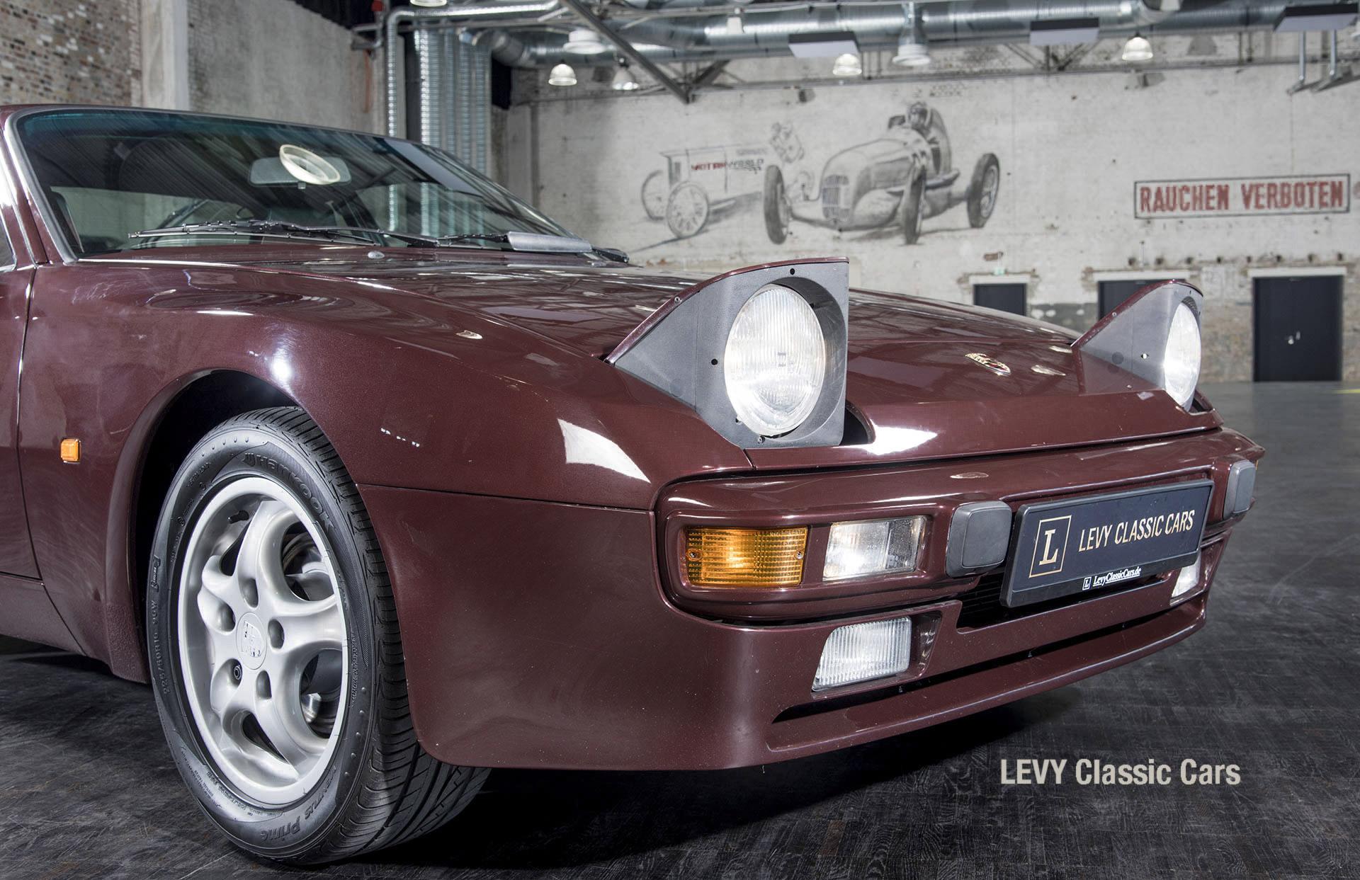 Porsche 944 400238 06