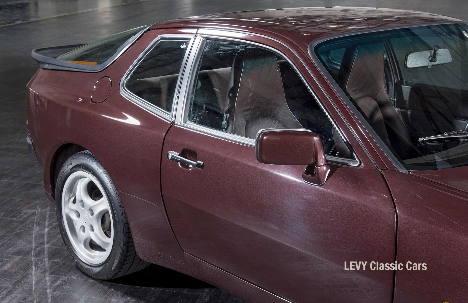 Porsche 944 400238 08