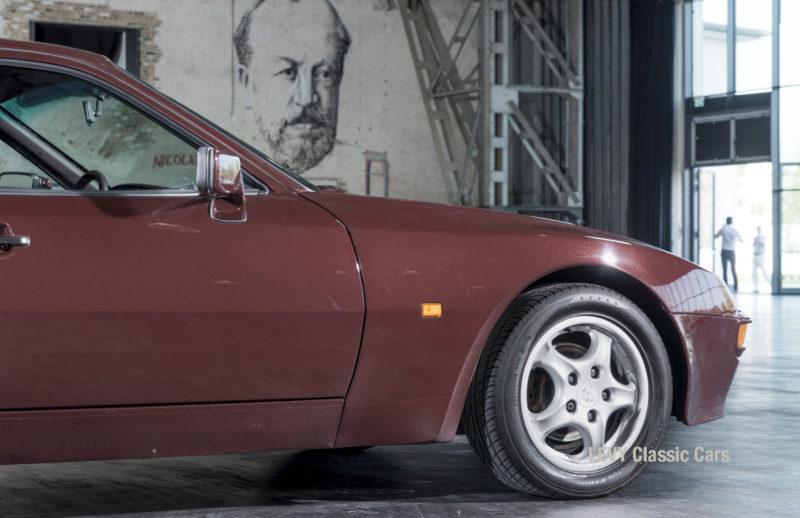 Porsche 944 400238 20