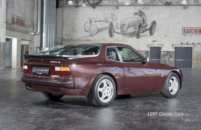 Porsche 944 400238 28