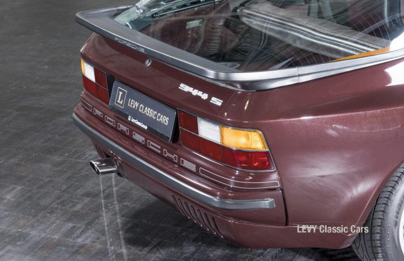 Porsche 944 400238 30