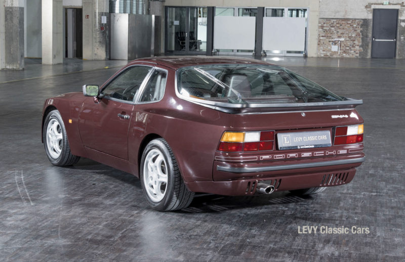 Porsche 944 400238 43