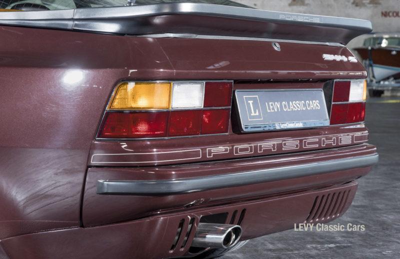 Porsche 944 400238 44