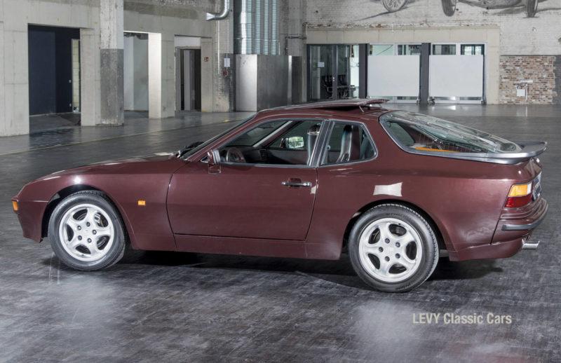 Porsche 944 400238 48