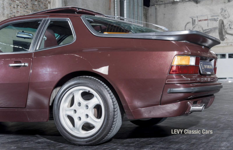 Porsche 944 400238 49