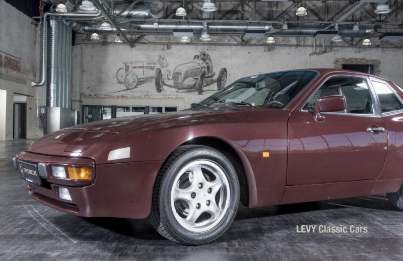 Porsche 944 400238 54