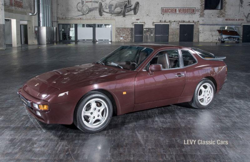 Porsche 944 400238 55