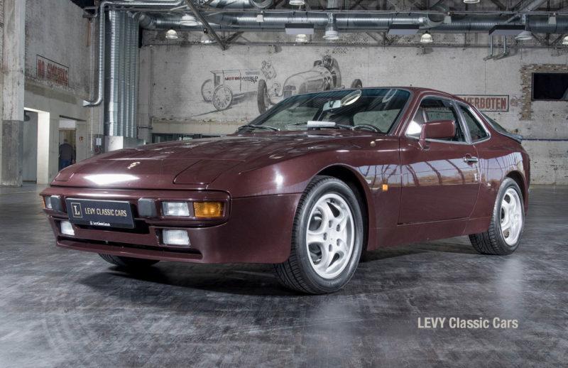 Porsche 944 400238 57