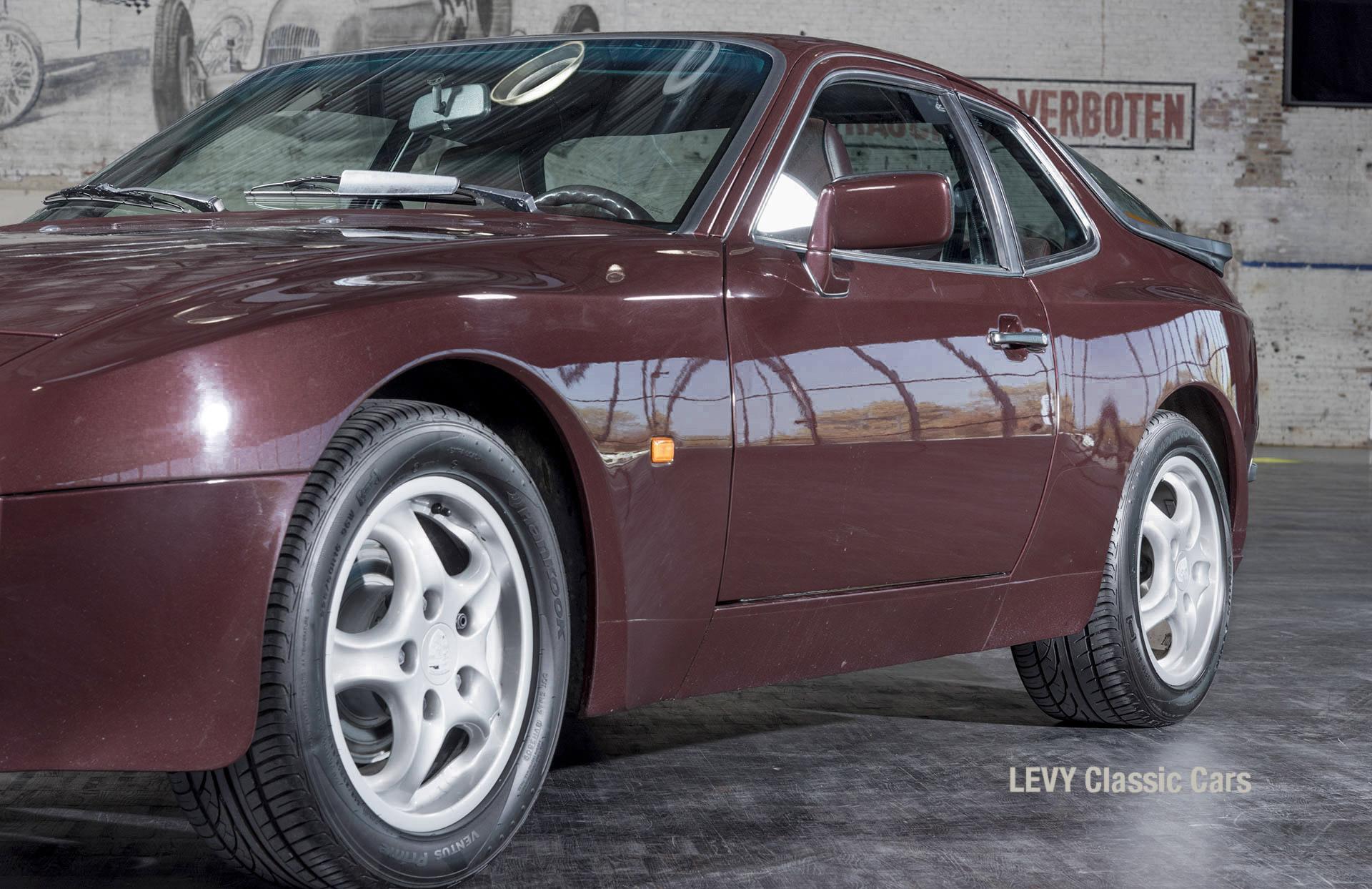 Porsche 944 400238 58