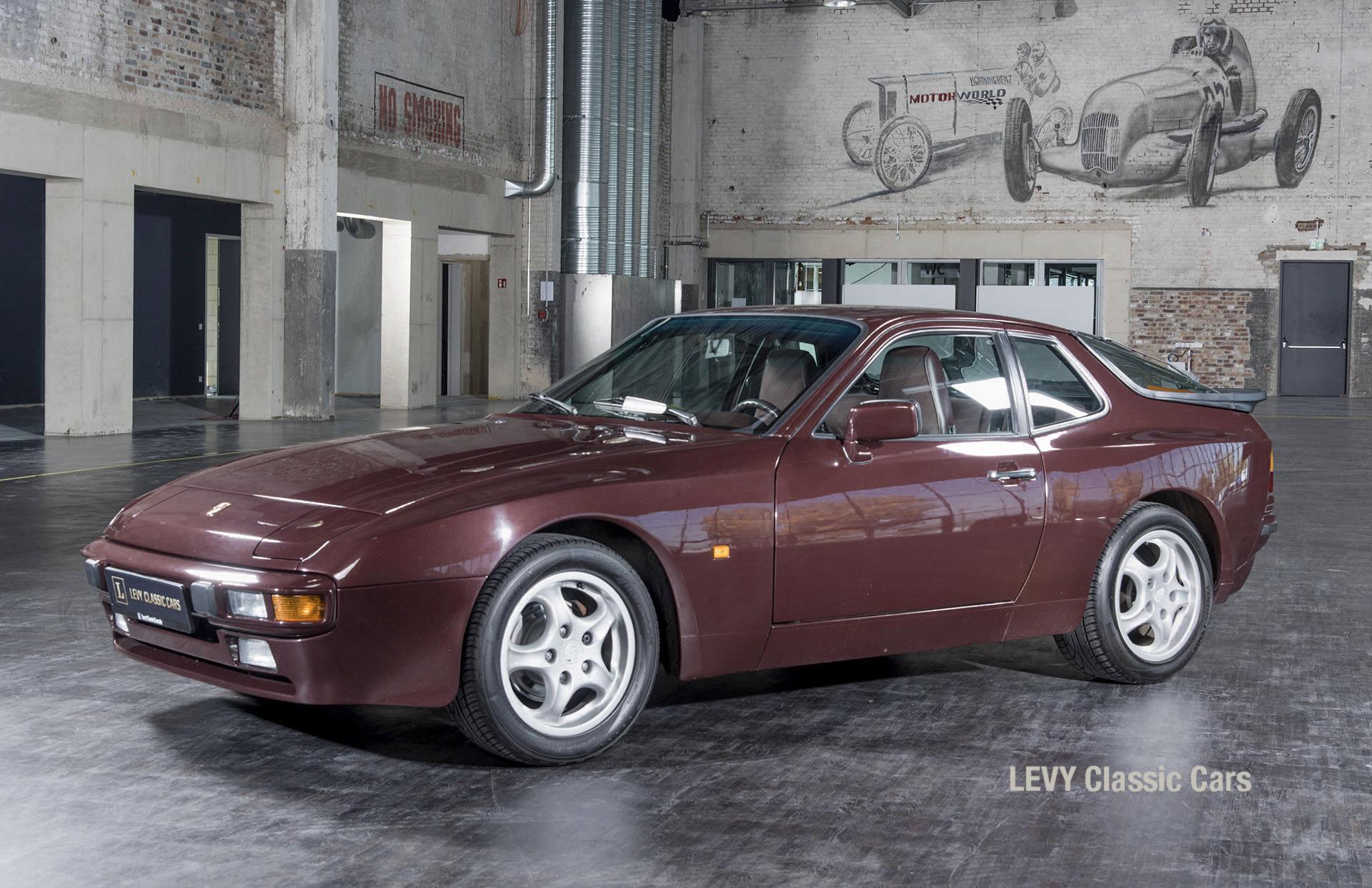 Porsche 944 400238 59