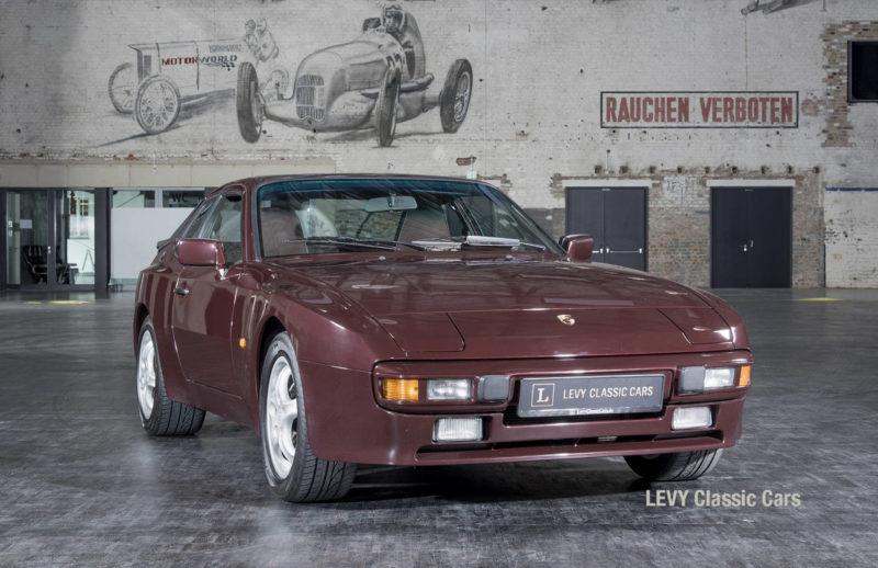 Porsche 944 400238 60