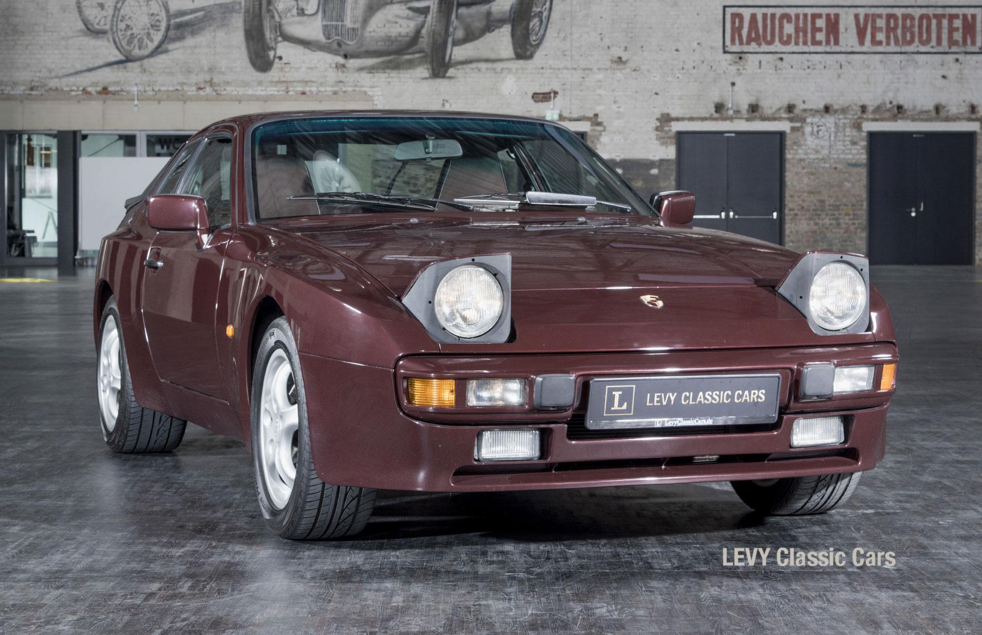Porsche 944 400238 61