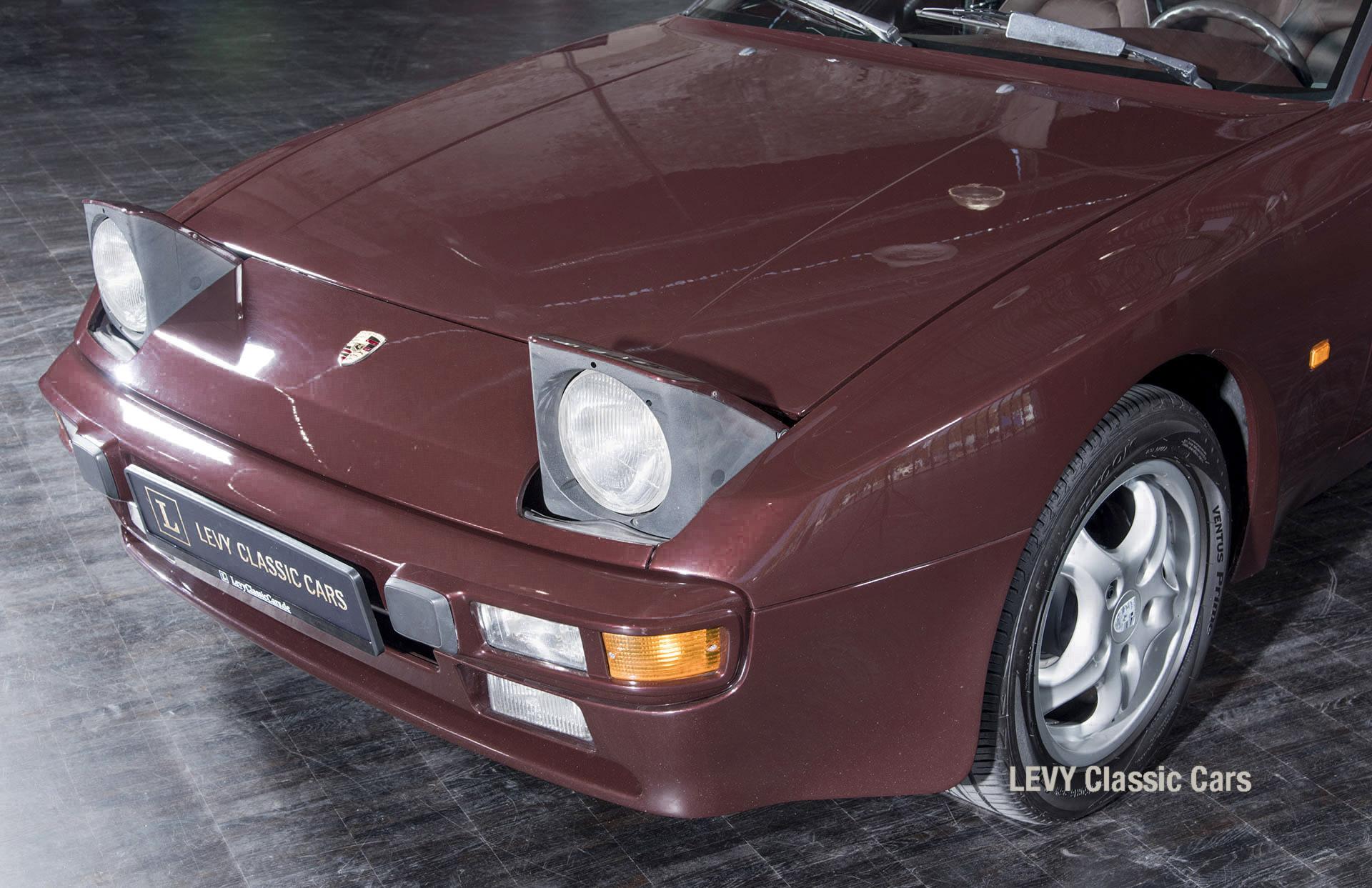 Porsche 944 400238 62
