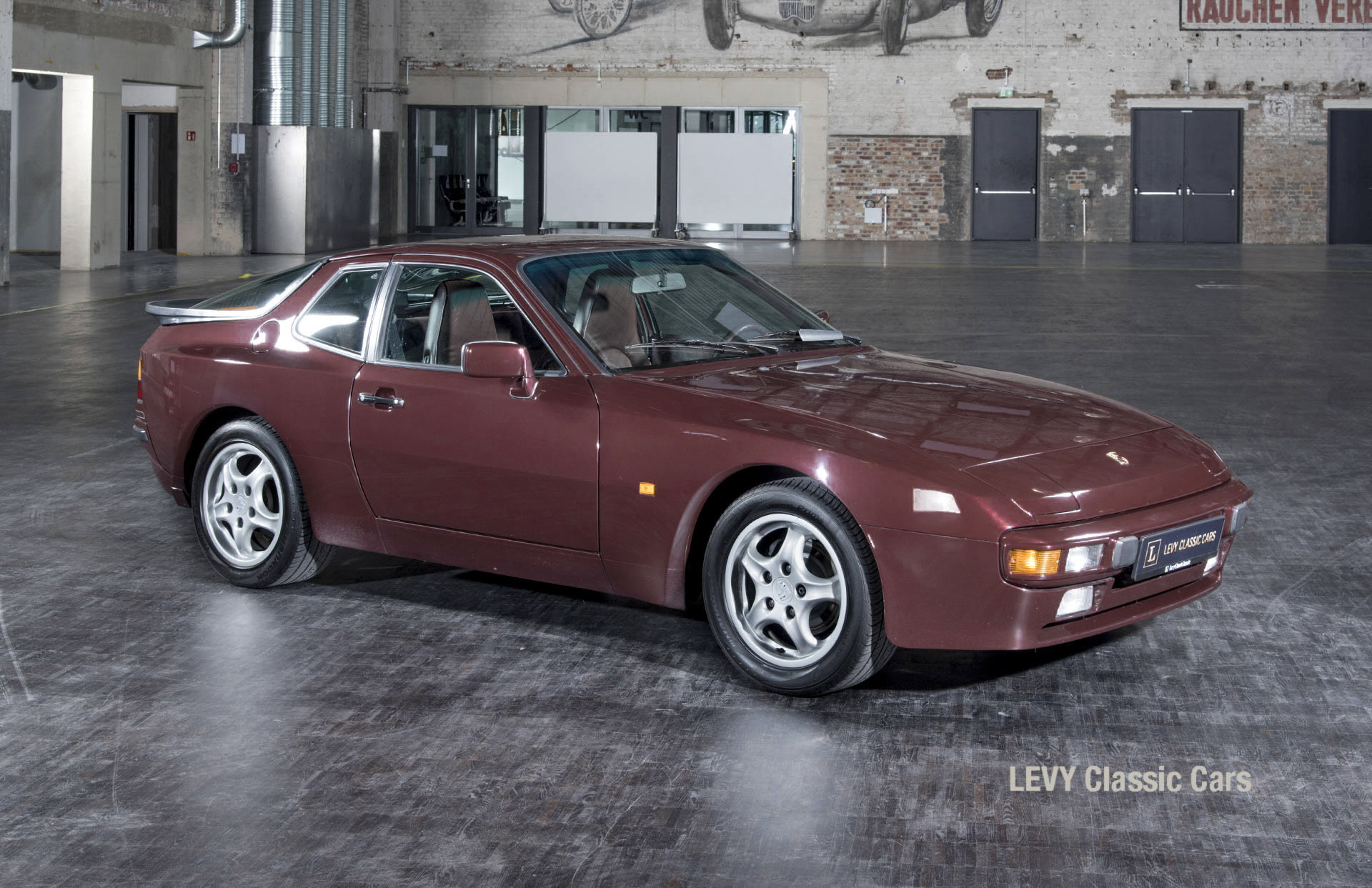 Porsche 944 400238 63