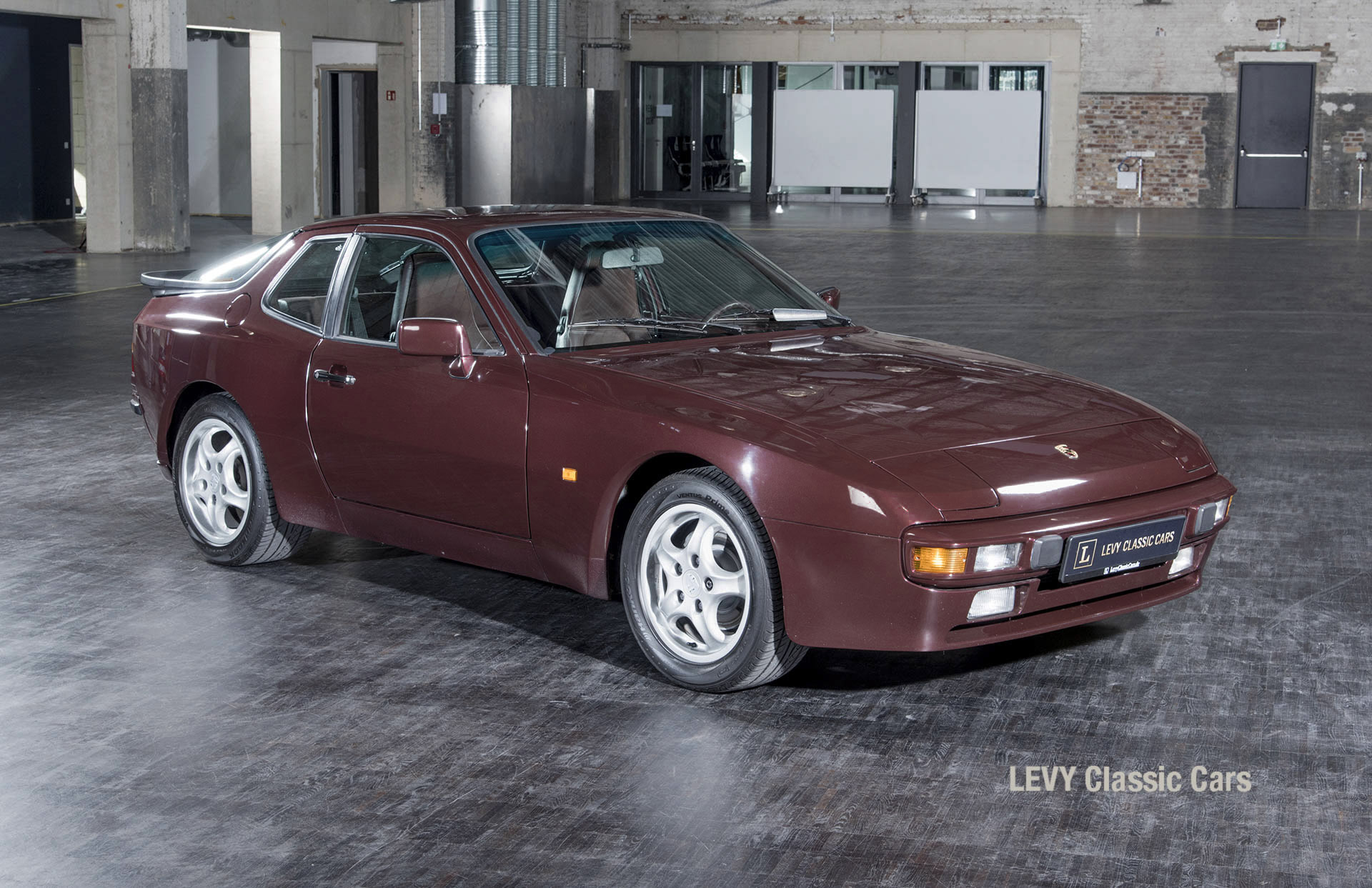 Porsche 944 400238 65