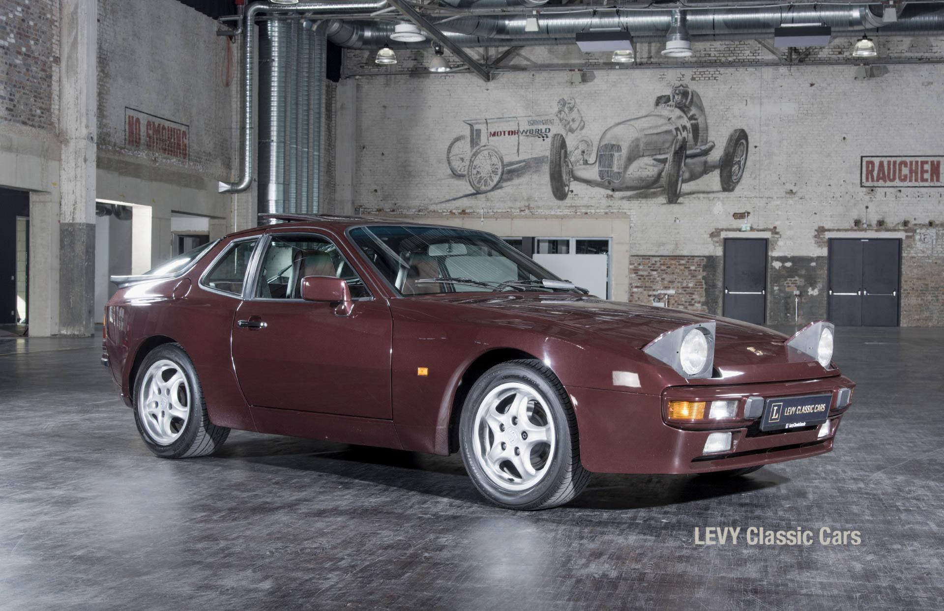 Porsche 944 400238 66