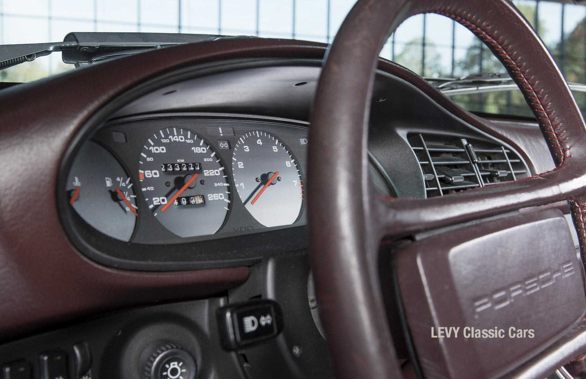 Porsche 944 400238 85