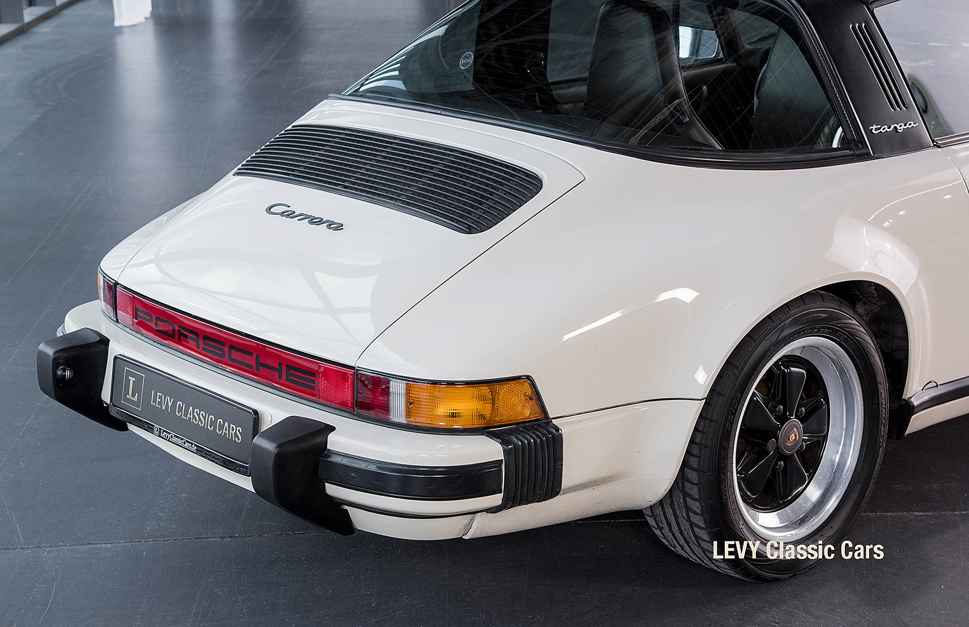 geschaerft Porsche Carrera Targa Altweiss 60575_21