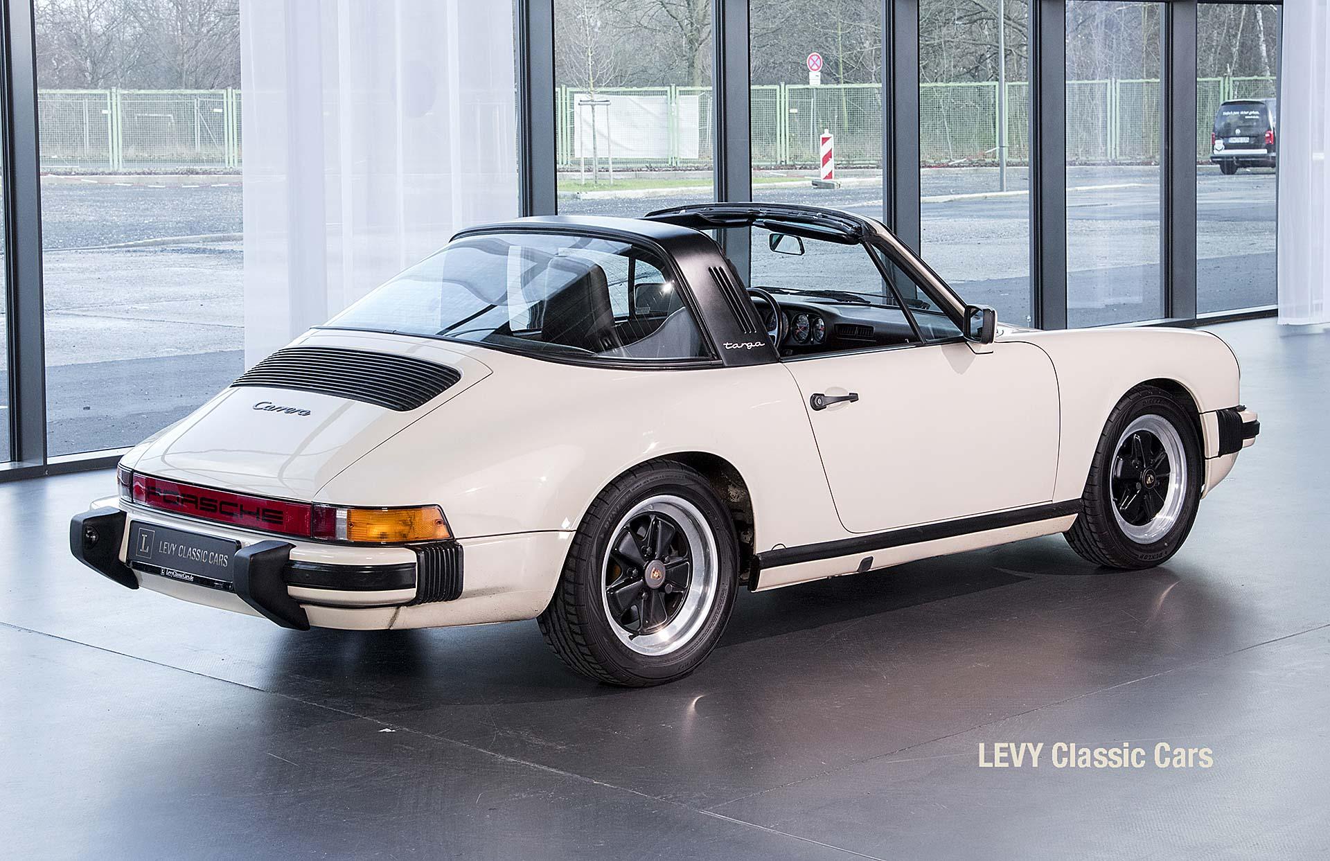 geschaerft Porsche Carrera Targa Altweiss 60575_39