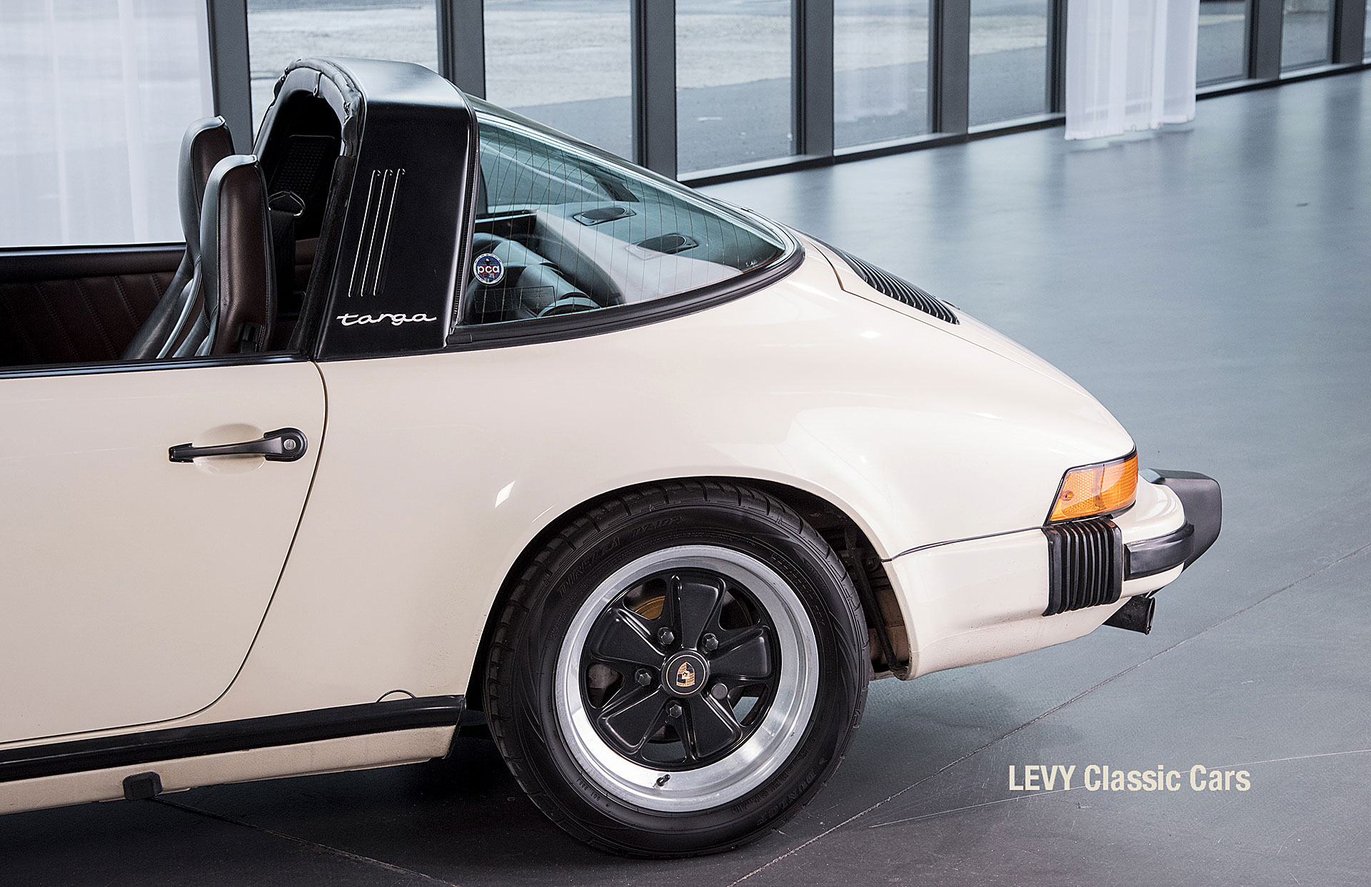 geschaerft Porsche Carrera Targa Altweiss 60575_74