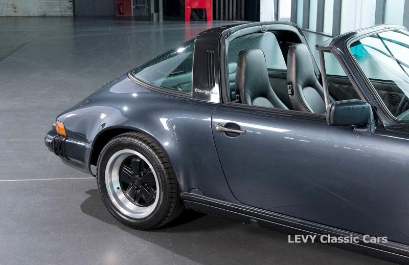Porsche 911 Targa blau 61547 01
