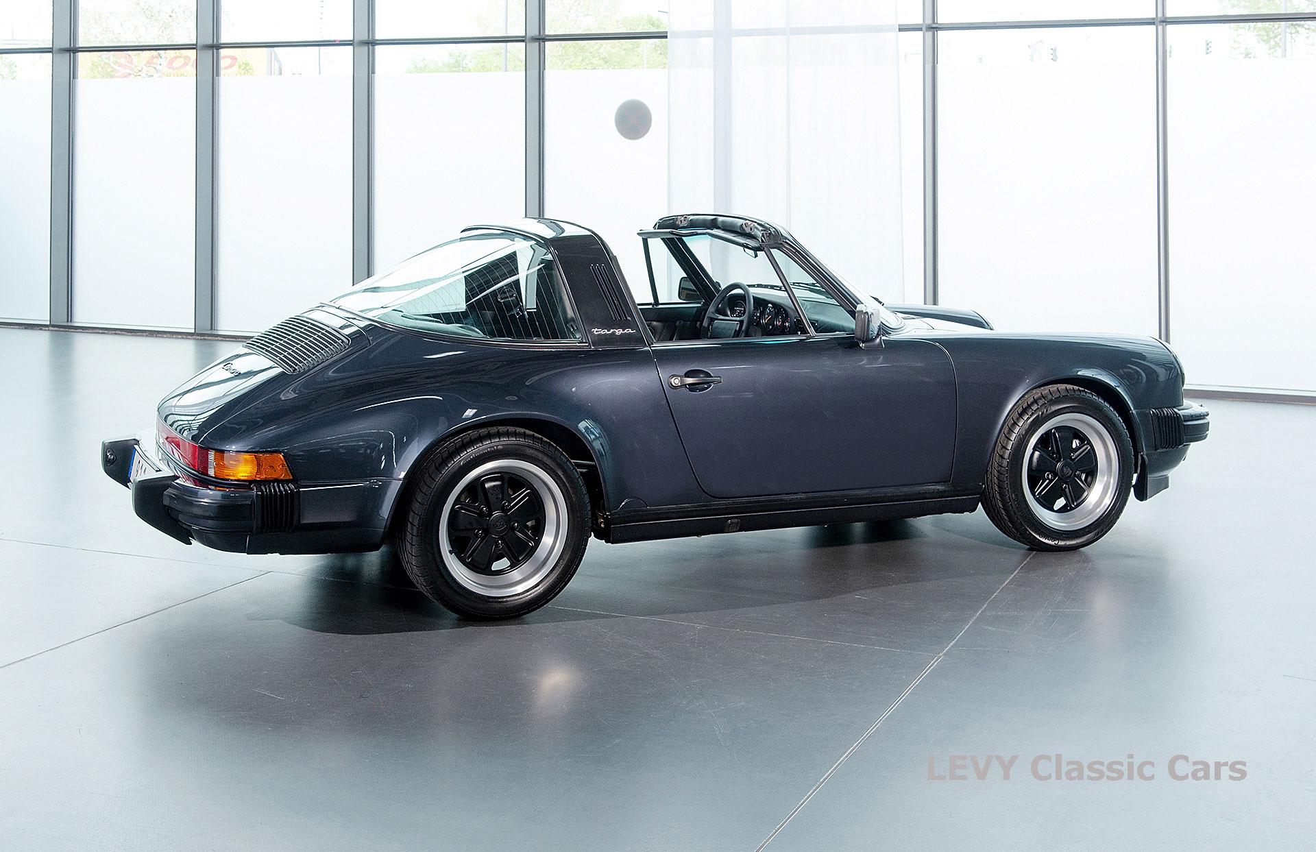 Porsche 911 Targa blau 61547 02