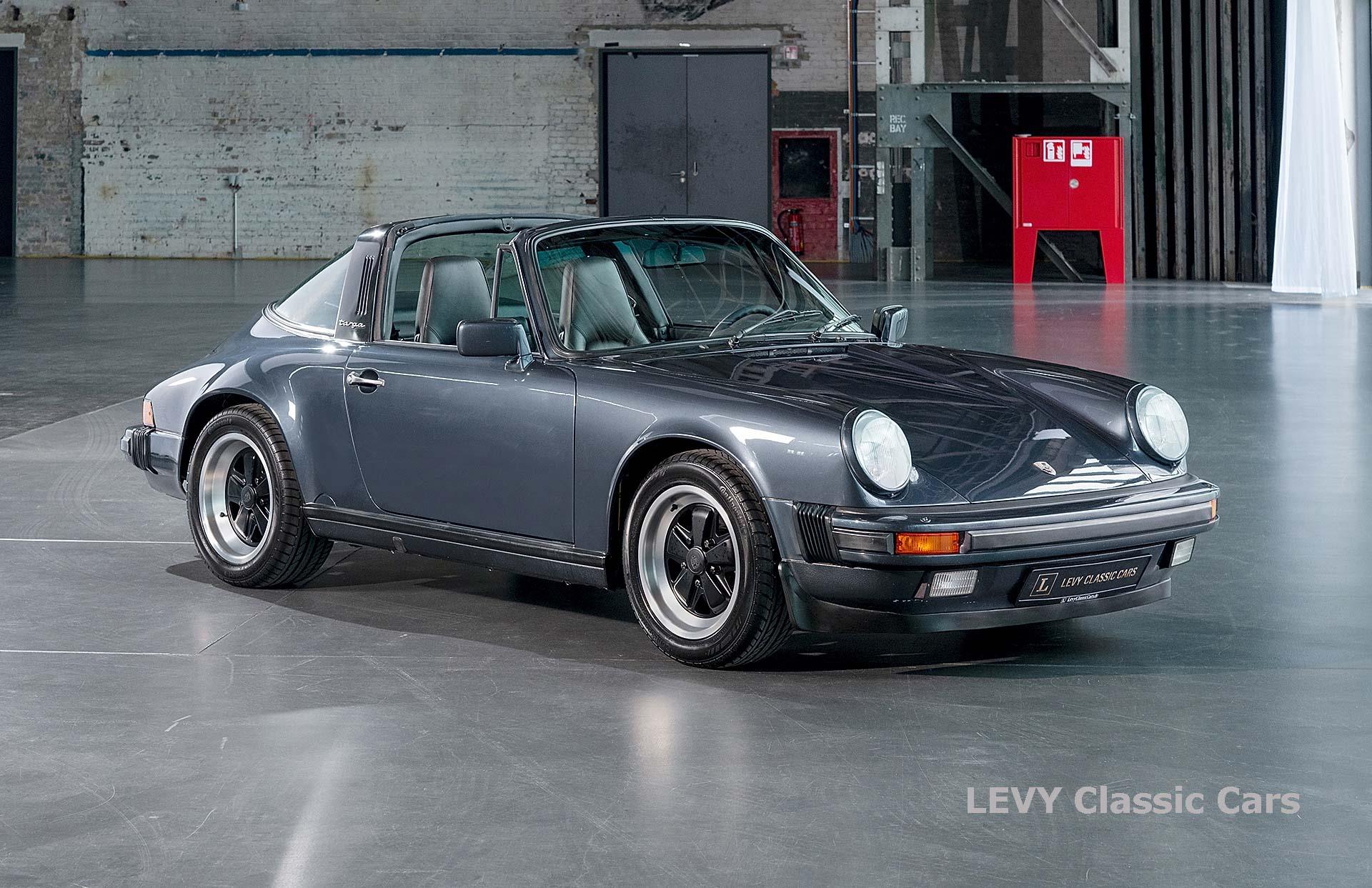 Porsche 911 Targa blau 61547 04