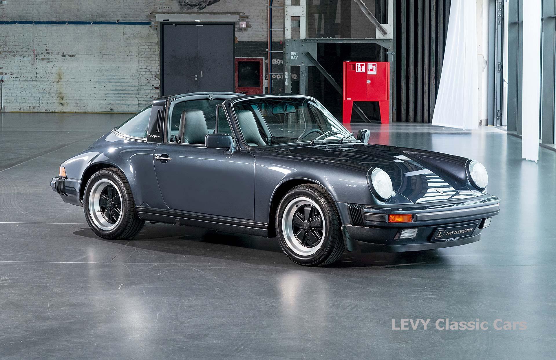 Porsche 911 Targa blau 61547 06