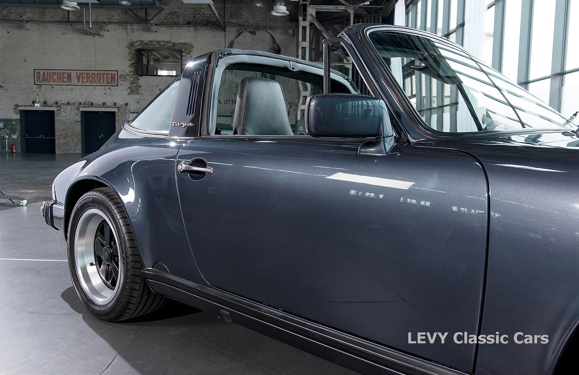 Porsche 911 Targa blau 61547 07