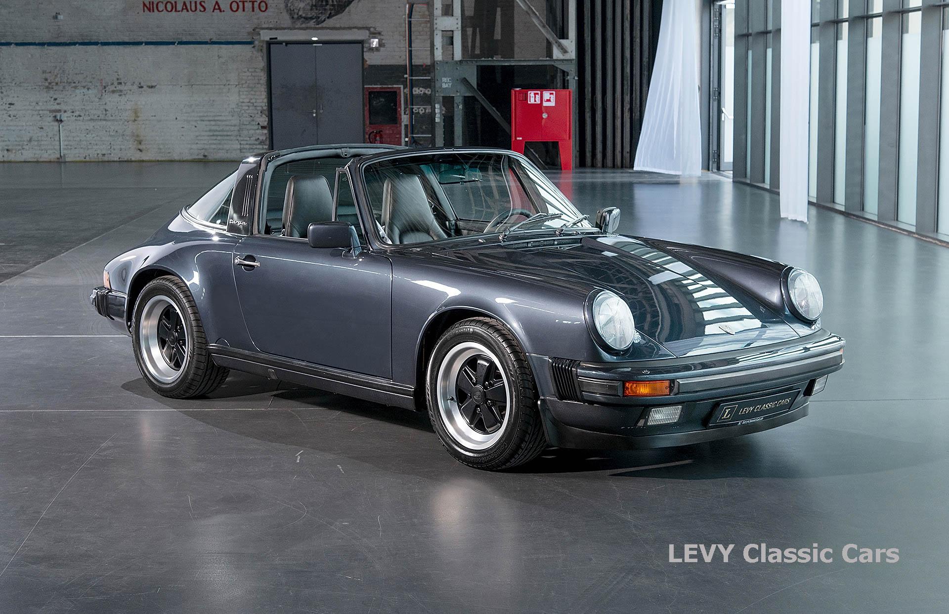 Porsche 911 Targa blau 61547 11