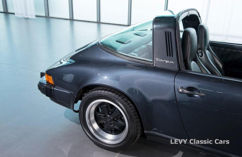 Porsche 911 Targa blau 61547 20