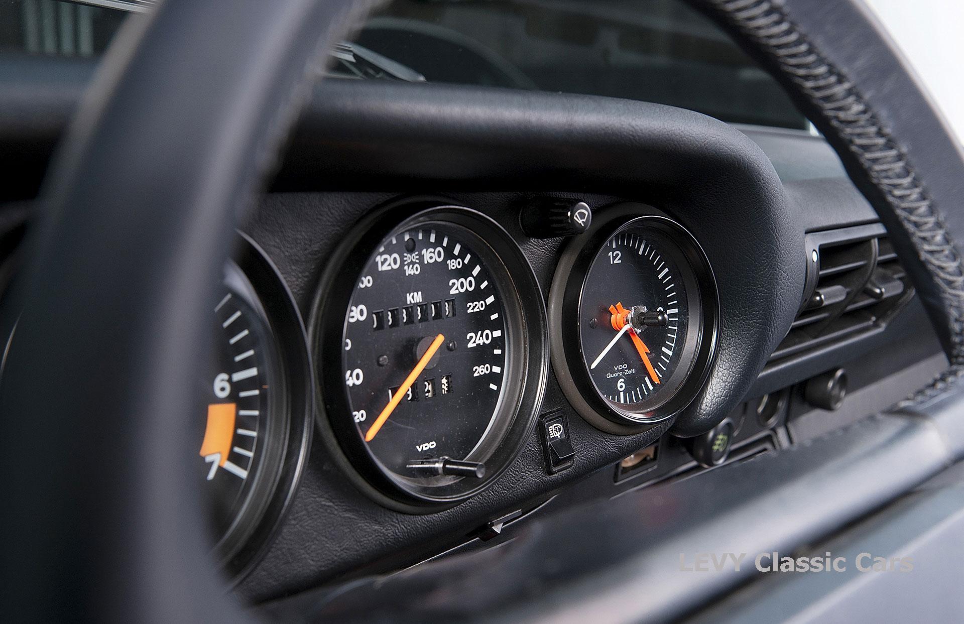 Porsche 911 Targa blau 61547 31