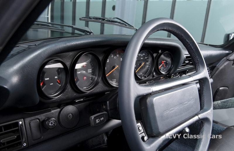 Porsche 911 Targa blau 61547 44