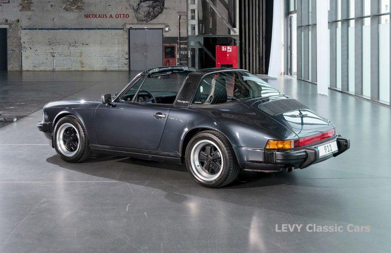 Porsche 911 Targa blau 61547 55