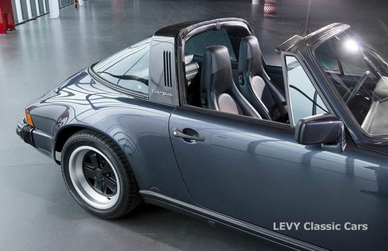 Porsche 911 Targa blau 61547 59