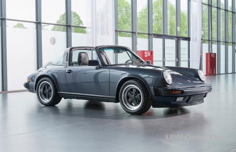 Porsche 911 Targa blau 61547 60