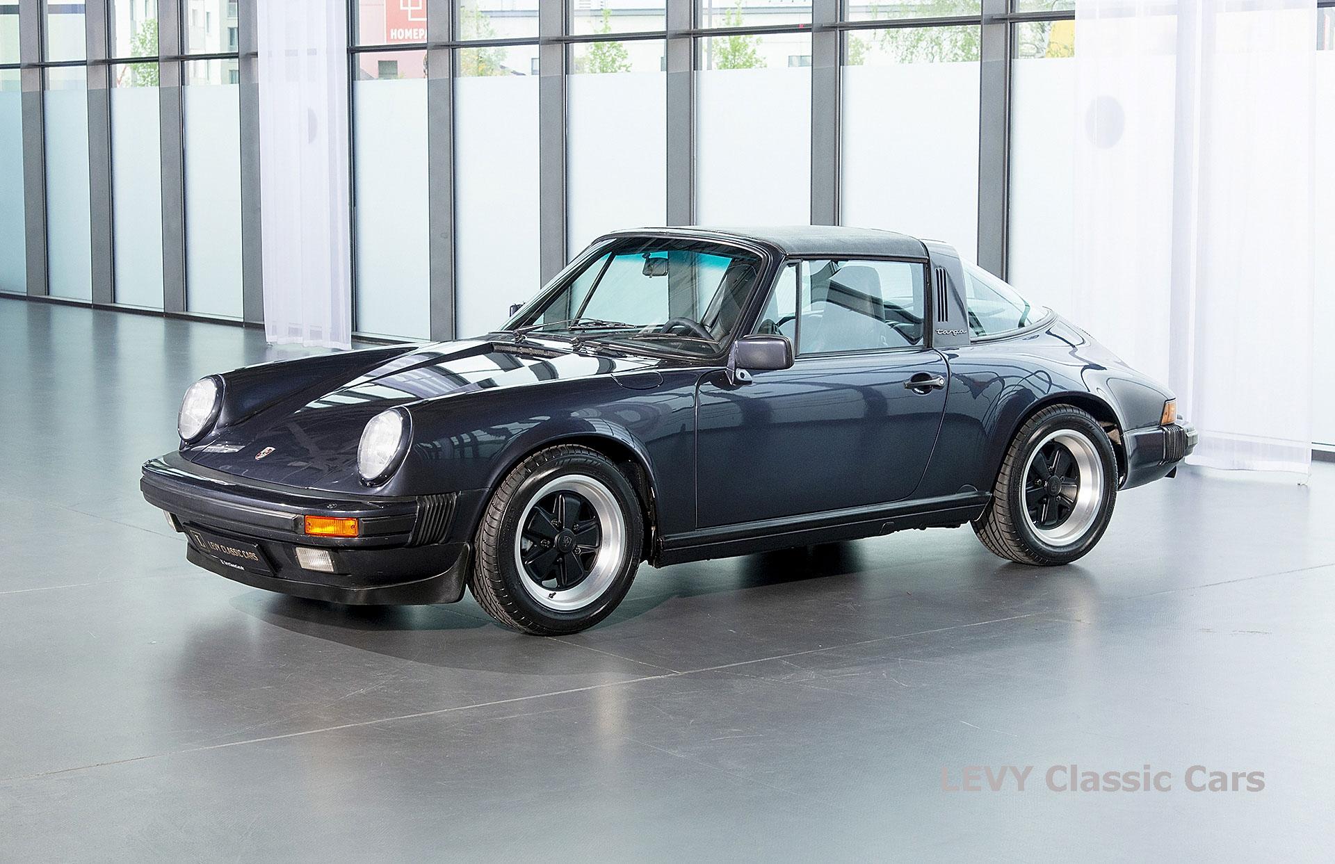 Porsche 911 Targa blau 61547 64