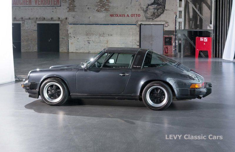 Porsche 911 Targa blau 61547 65