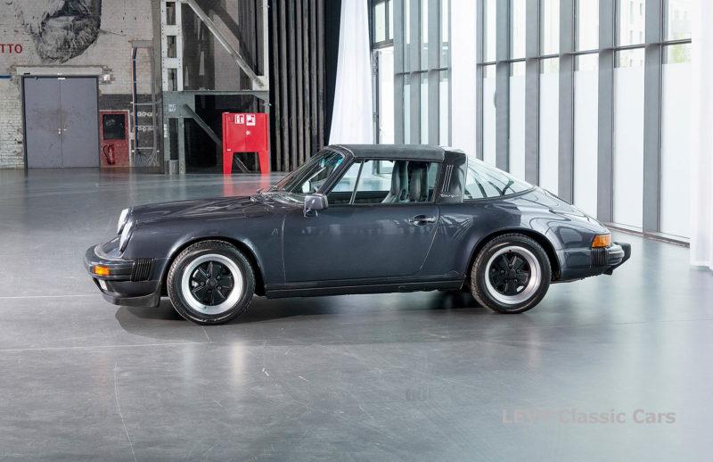 Porsche 911 Targa blau 61547 66