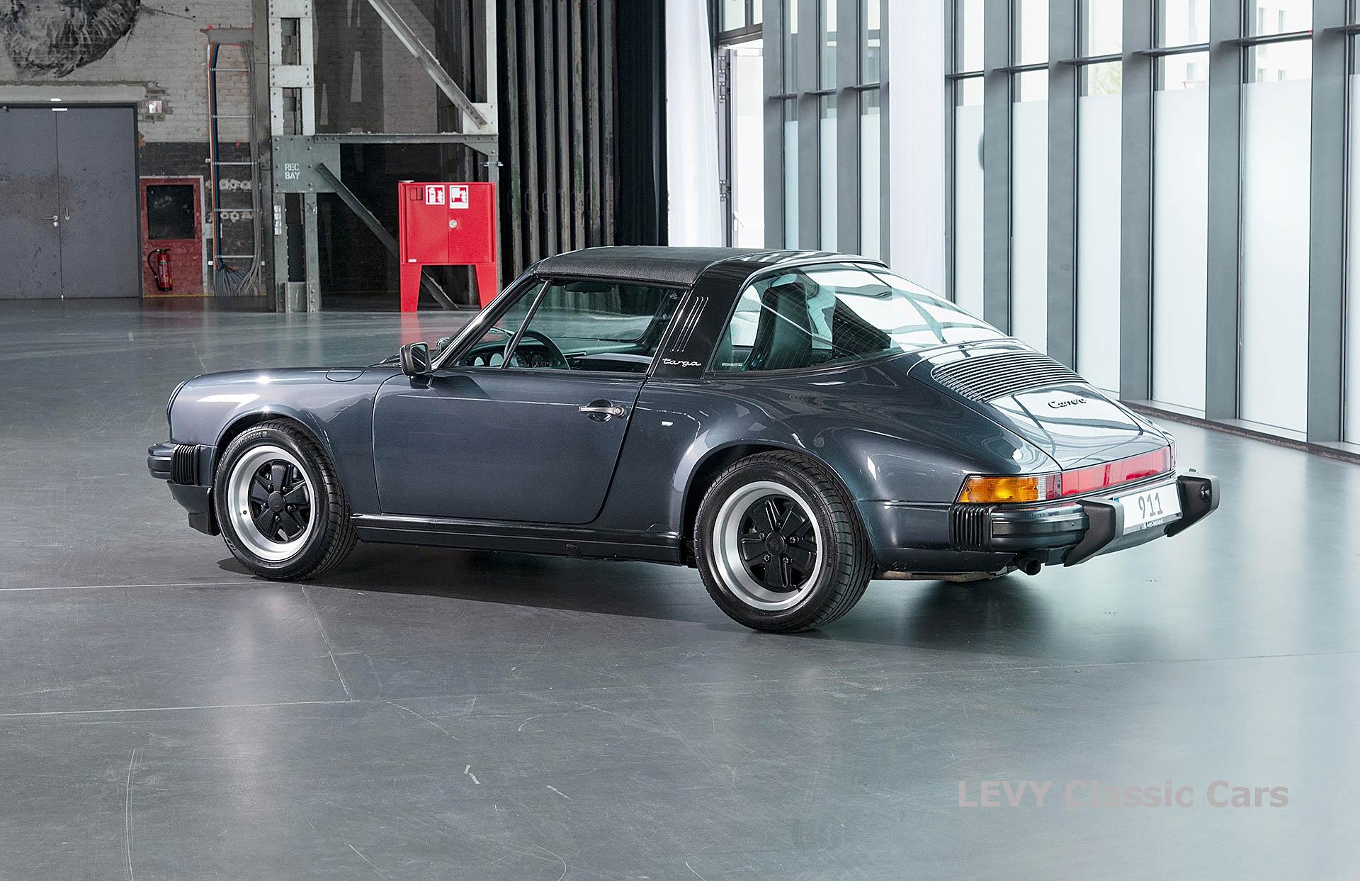 Porsche 911 Targa blau 61547 69