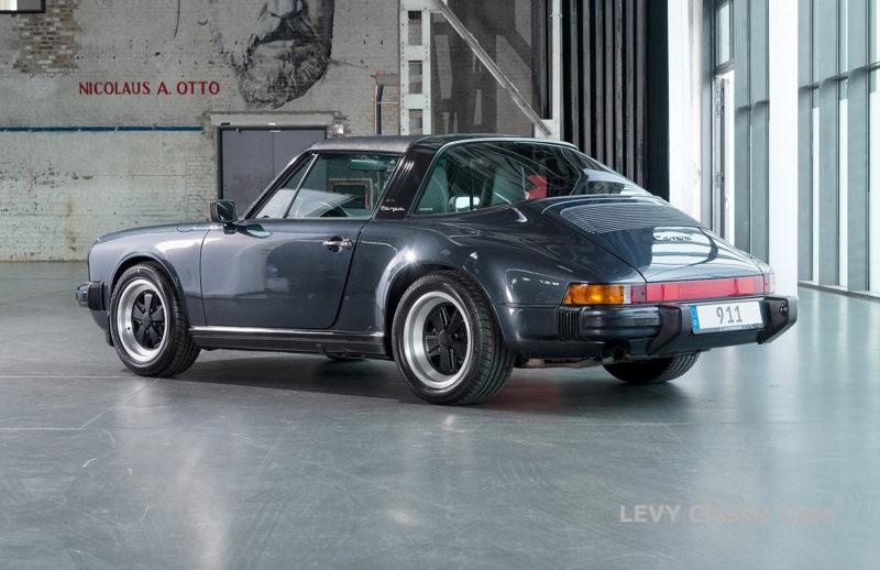 Porsche 911 Targa blau 61547 70