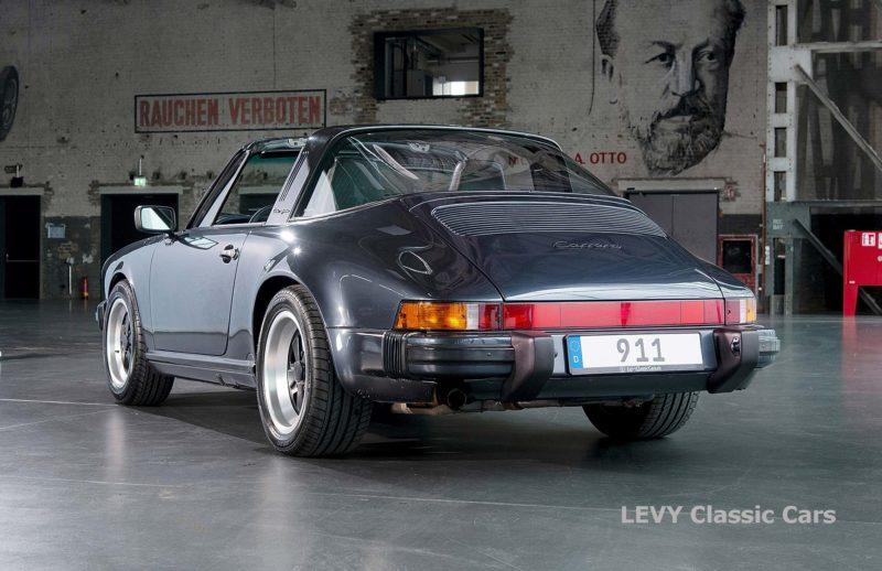 Porsche 911 Targa blau 61547 75
