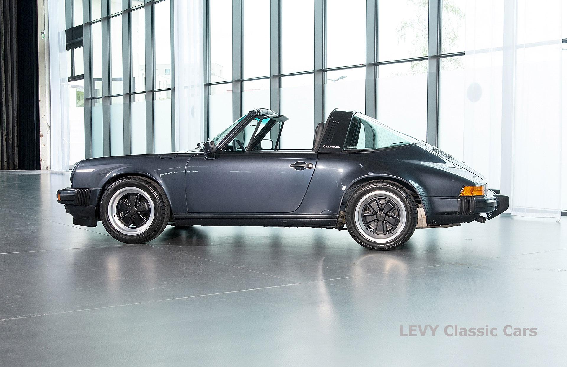 Porsche 911 Targa blau 61547 76