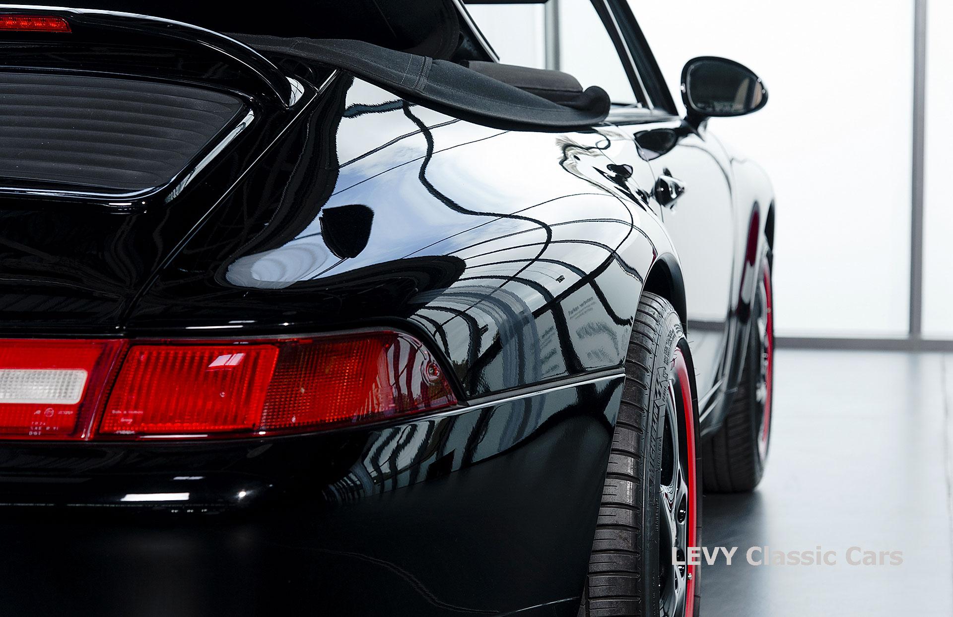 heller Porsche 993 schwarz 42065 024