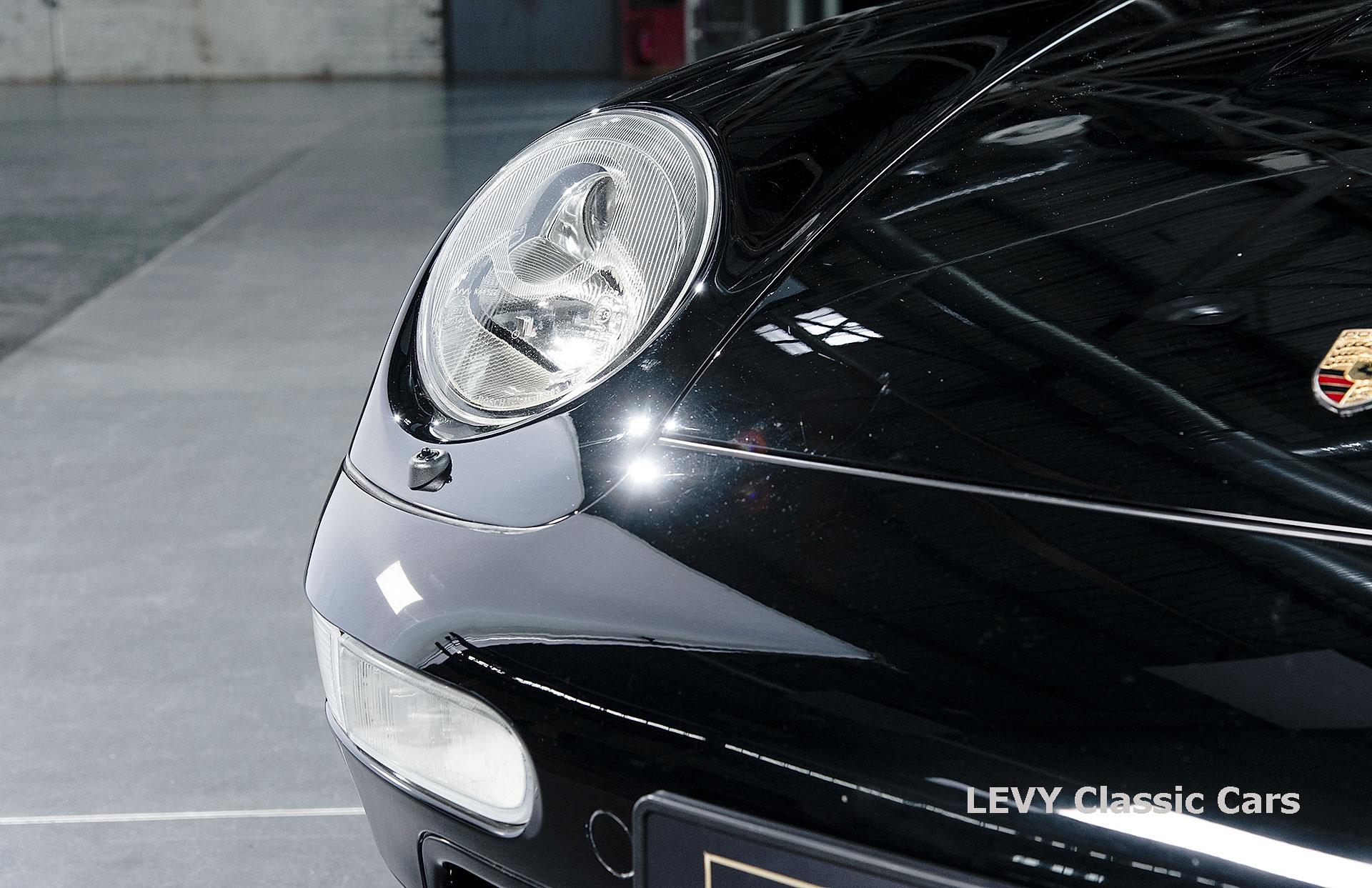 heller Porsche 993 schwarz 42065 054