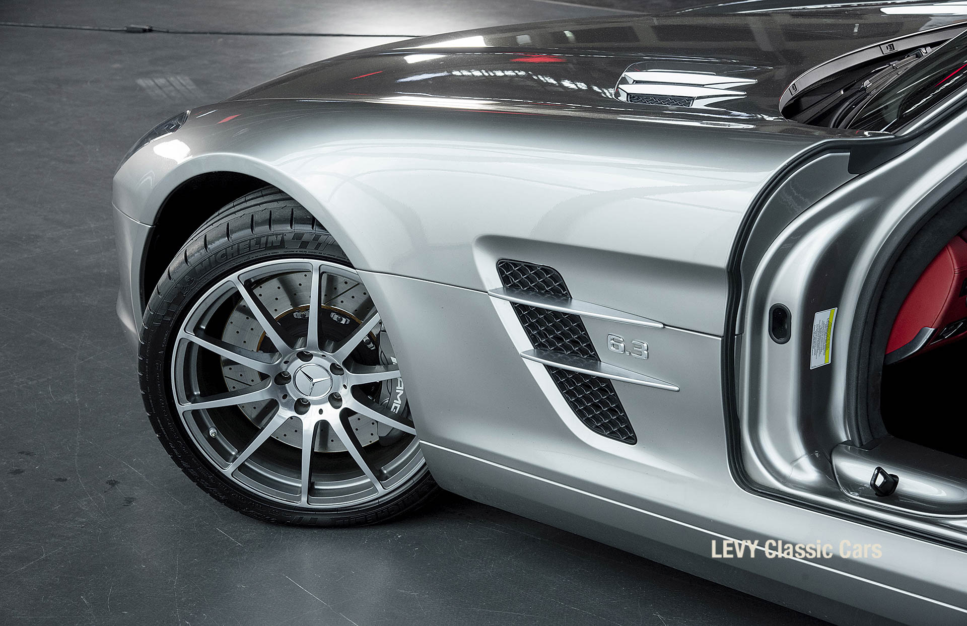 MB SLS AMG 6,3 Coupe 05633 017