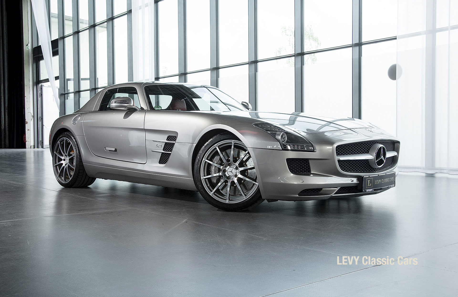 MB SLS AMG 6,3 Coupe 05633 018